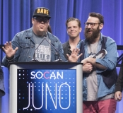 The Strumbellas accepting their 2017 JUNO Award for Single of the Year