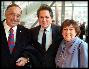 Dr. Peter Simon with legendary hockey player Frank Mahovlich and Marie Mahovlich.