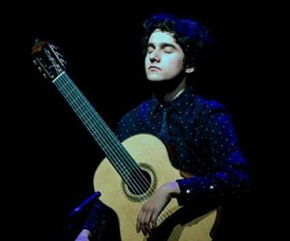 Kristian Del Cantero Wins Top Prize at International Guitar Competition
